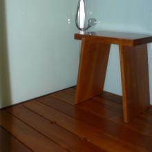 Tiigipuust põrandarestid ja tool